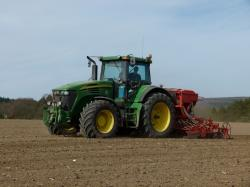 preparation-du-sol-semis-de-pois-2011-evrard-183-horz.jpg